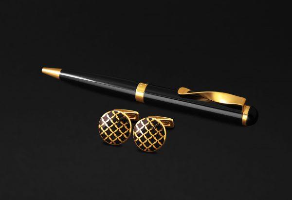 طقم كبكات وقلم ذهبي و أسود