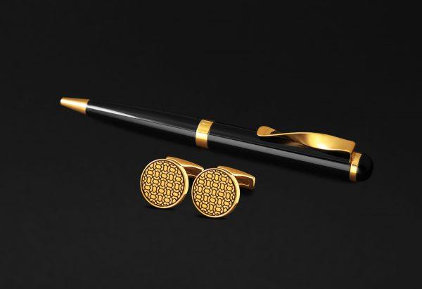طقم كبكات و قلم ذهبي و أسود